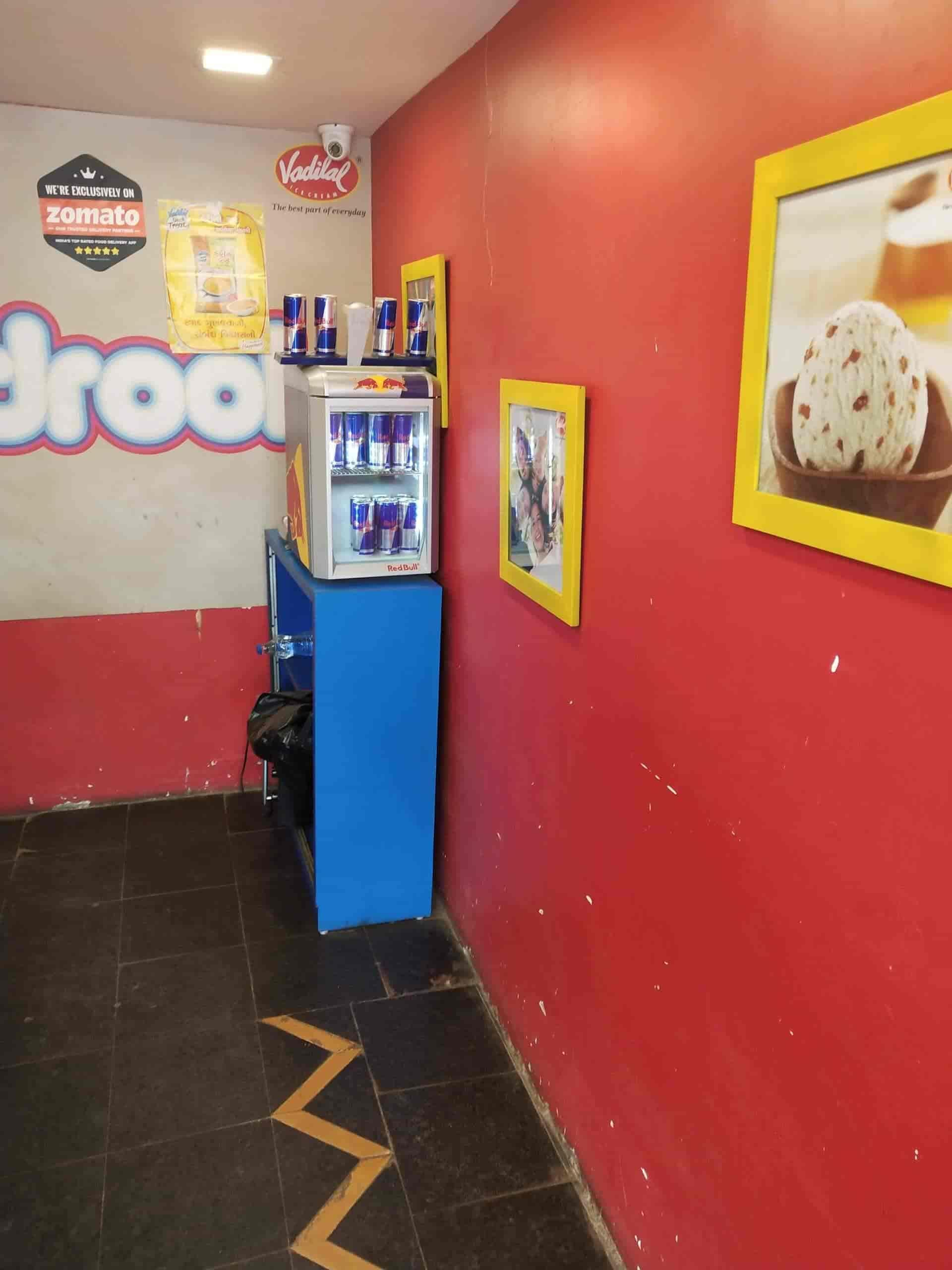 Vadilal Hangout, Gulbai Tekra - Ice Cream Parlours in