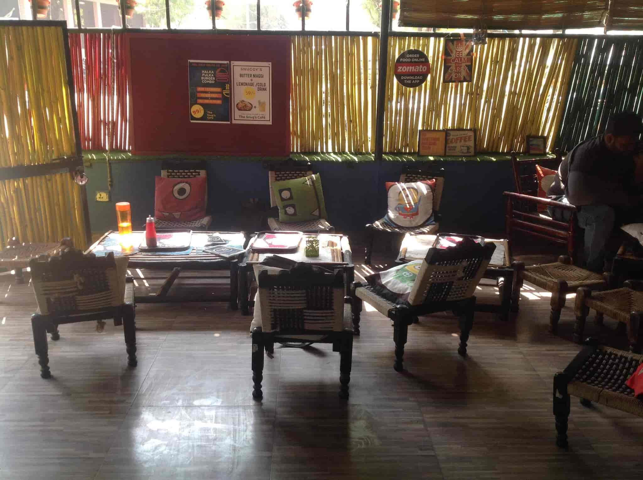 The Snugus Cafe Vastrapur Ahmedabad Beverages Cuisine Restaurant Justdial With Living Room Zomato