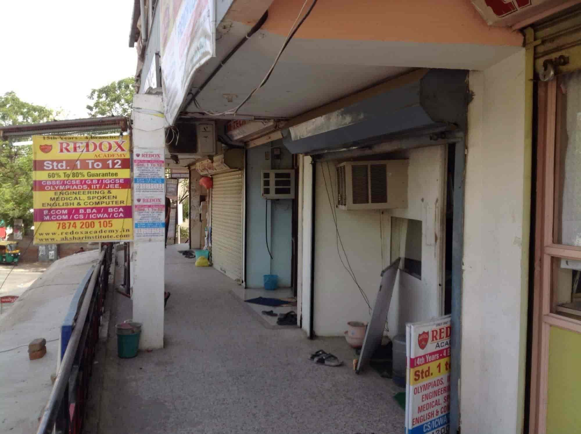 Redox Academy, Jodhpur Tekra - Tutorials in Ahmedabad - Justdial