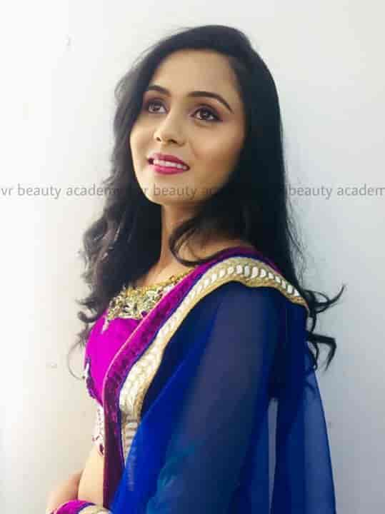 Vr Beauty Academy, C G Road - Beautician Institutes in