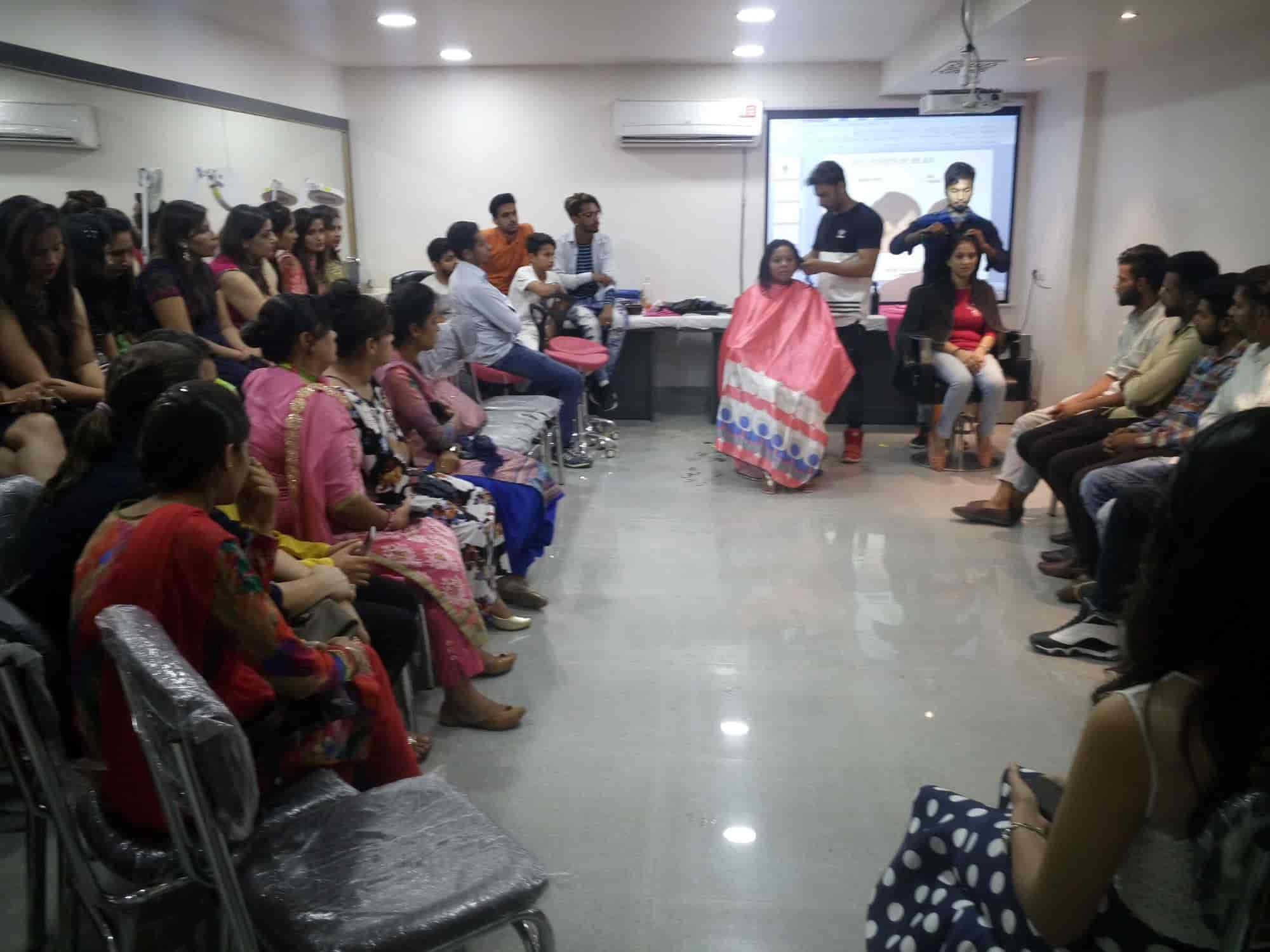 Lakme Academy Powered By Aptech, Putligarh - Salons in