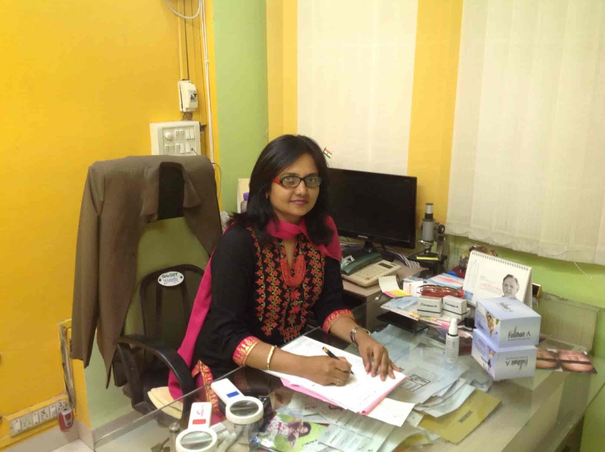 Dr  Asawaree Takalkar Ladies Skin Specialist, Jalna Road