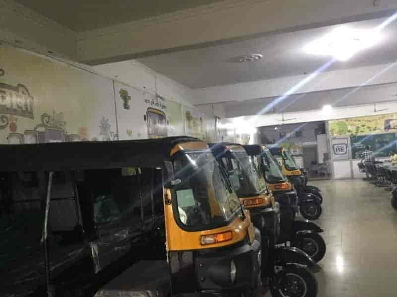 S R Auto Sales, Harbanspur - Three Wheeler Dealers in