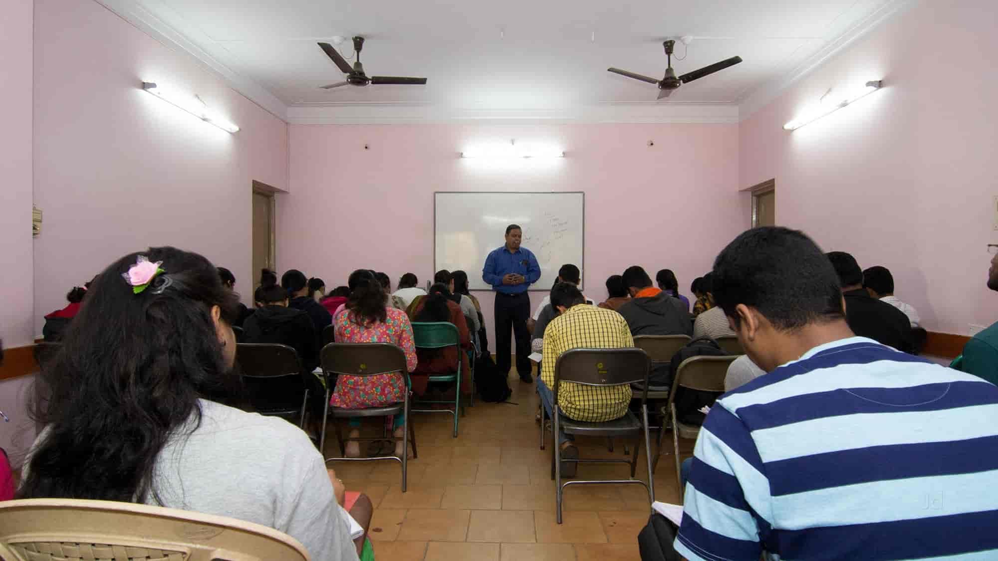 Top 30 puc tutorials in basavanagudi best coaching class puc ii.