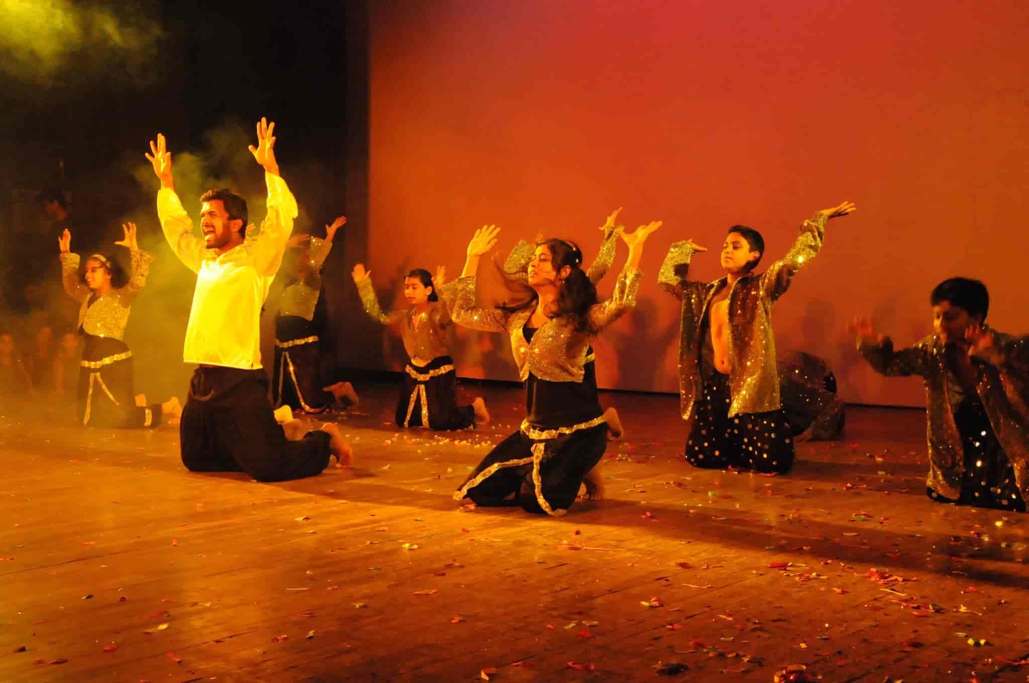 Vinay ratnasiddi international institute for performing arts hsr