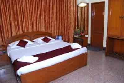 Hotel Adarsha Palace In College Road Belgaum Rates Room Booking