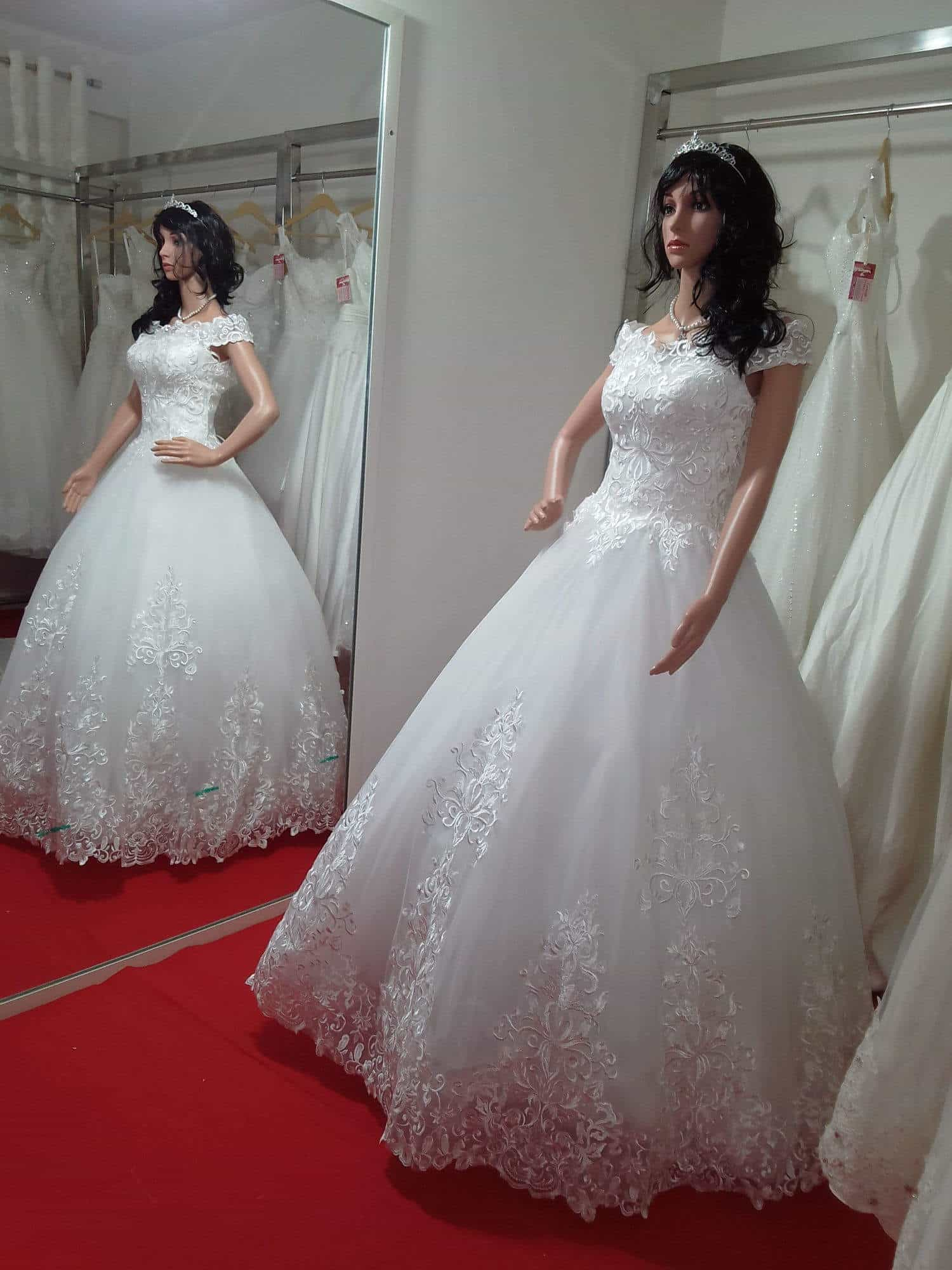 Lorean Christian Wedding Dresses Ayodhya Nagar Jewellery