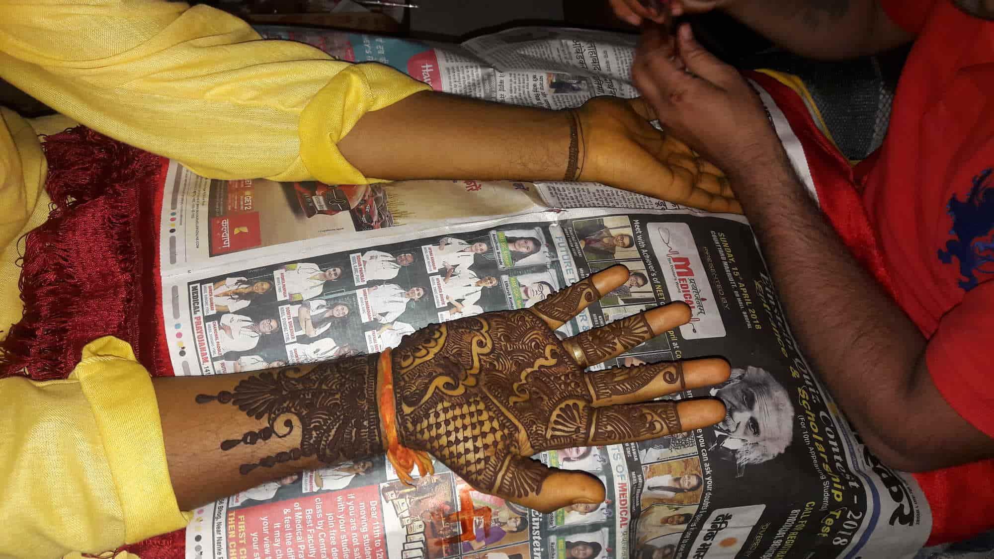 Putting Mehndi On Hands Games : Vinod mehandi art arera colony mehndi arts mehendi