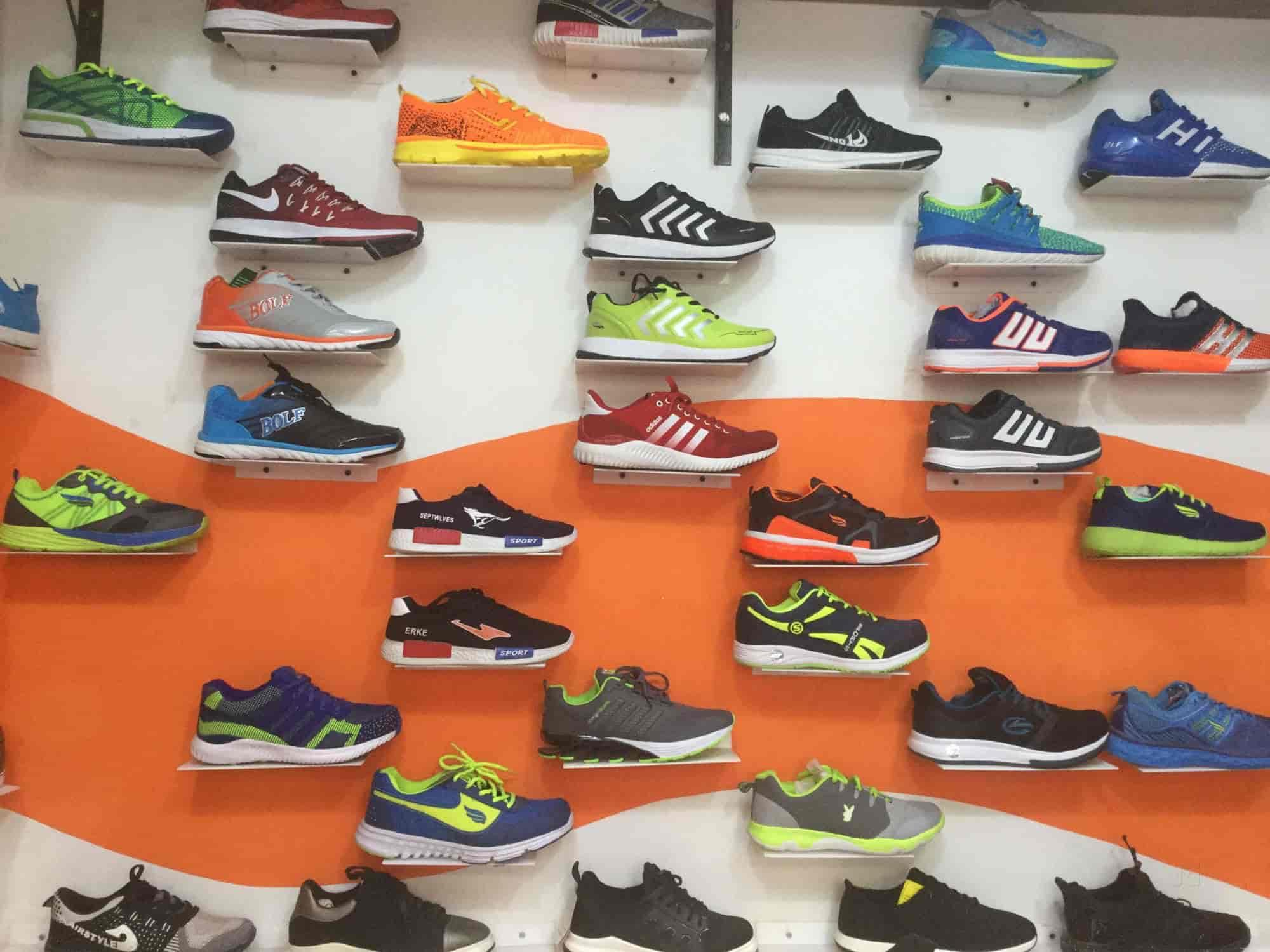 THE SHOES STORE, Gulaothi , Shoe Dealers in Bulandshahr