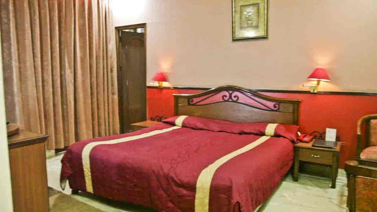 Clic Room Corporate Inn Hotel Photos Sector 17 Chandigarh 3 Star Hotels