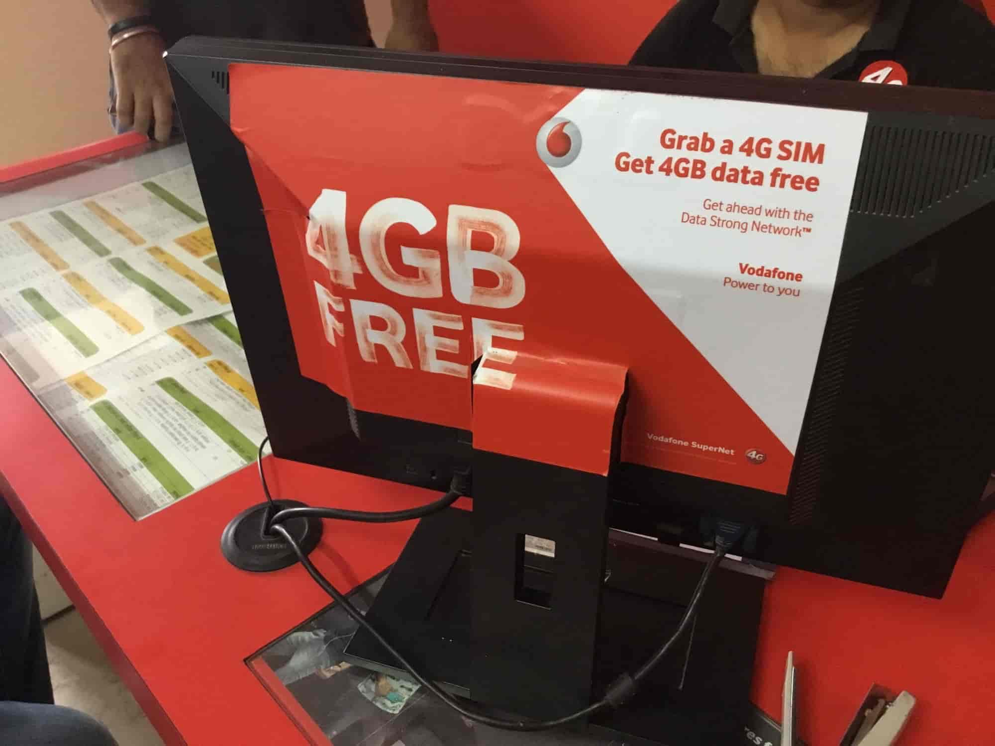 Vodafone Mini Store, Zirakpur HO - Postpaid Mobile Phone