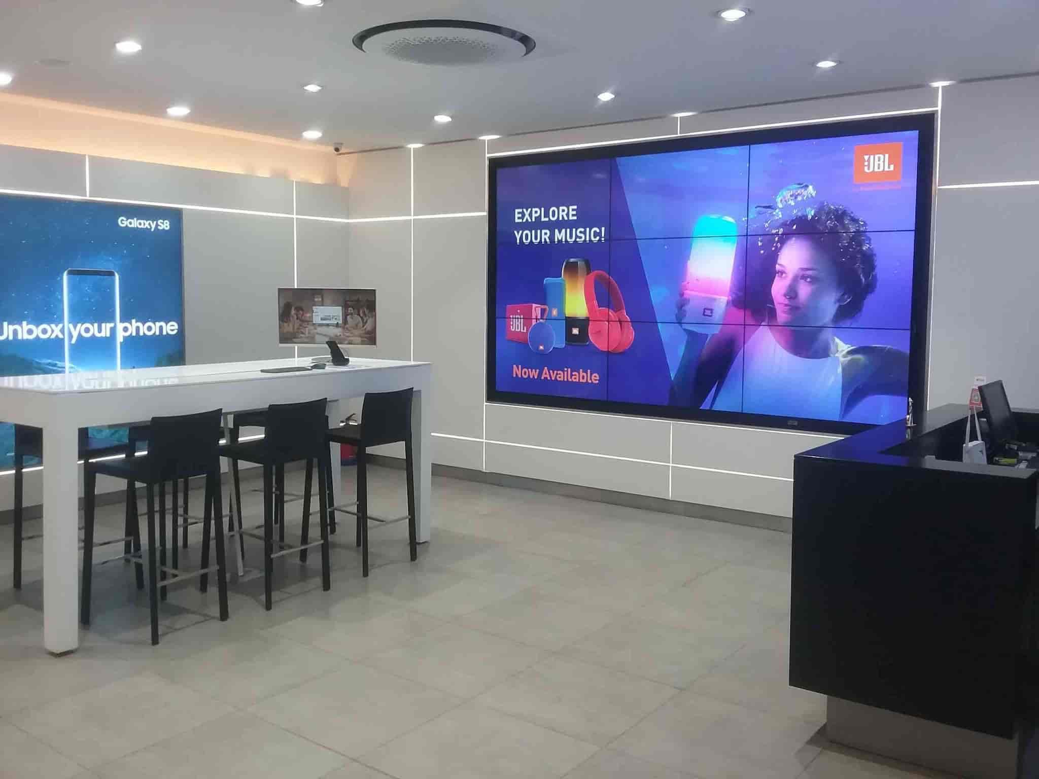 Samsung Premium Brand Store, Sector 35c - Mobile Phone