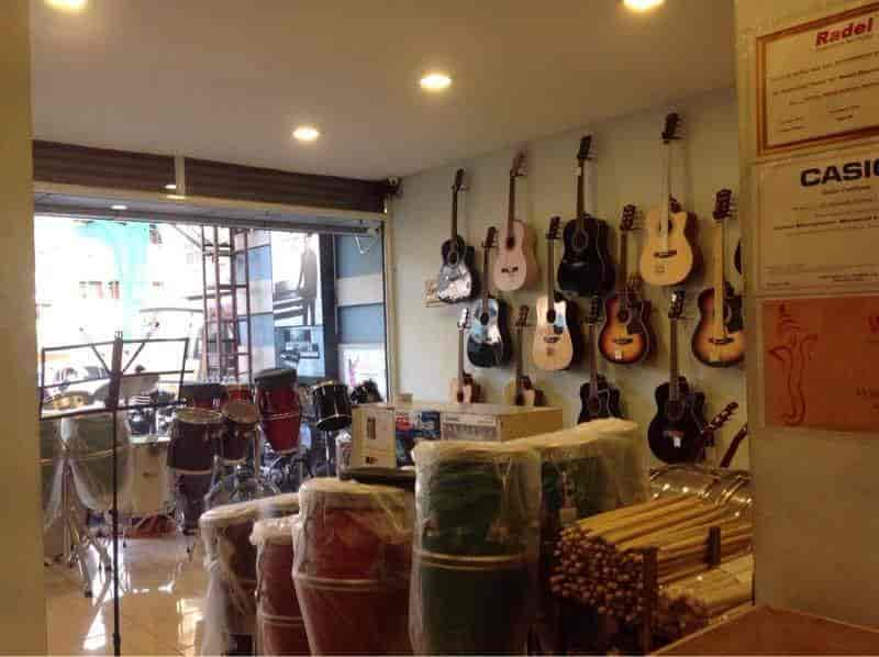 Shop Inside View - Sri Saraswathy Musicals Images, Vadapalani, Chennai - Musical Instrument Dealers