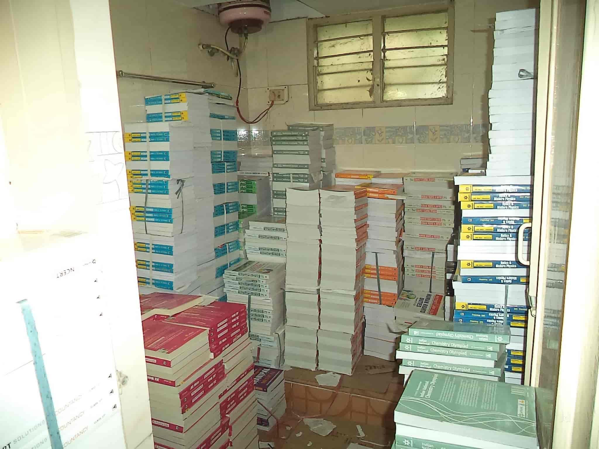 Arihant Publication India Ltd, Anna Nagar - Book Shops in