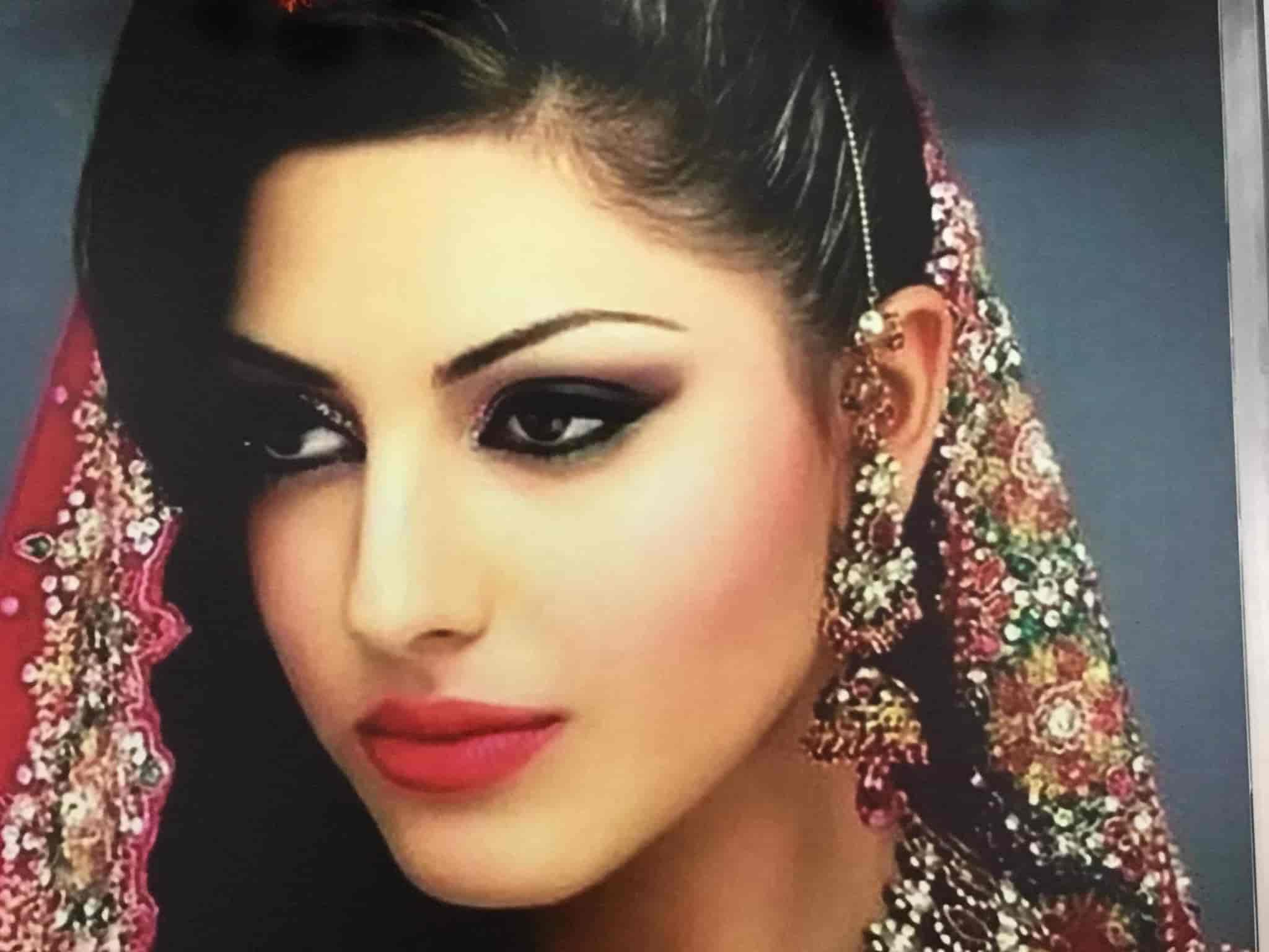 Pretty Girls Beauty Parlour Photos Nallampalayam