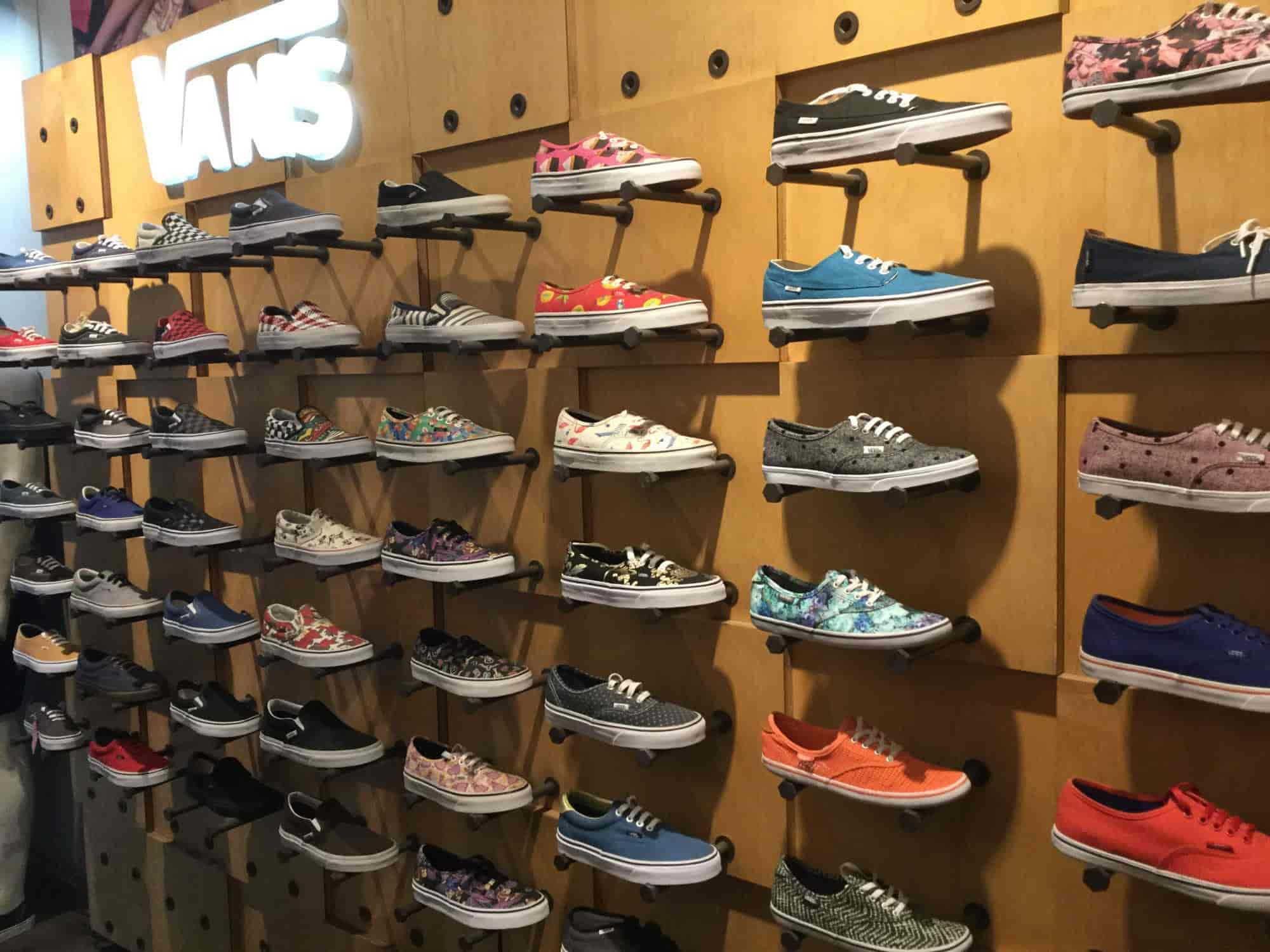 792700c221 Vans Perfomance Exclusive Store