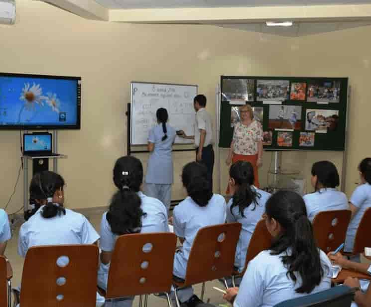 ... Class Room - Russian Centre For Science & Culture Photos, Connaught  Place, ...