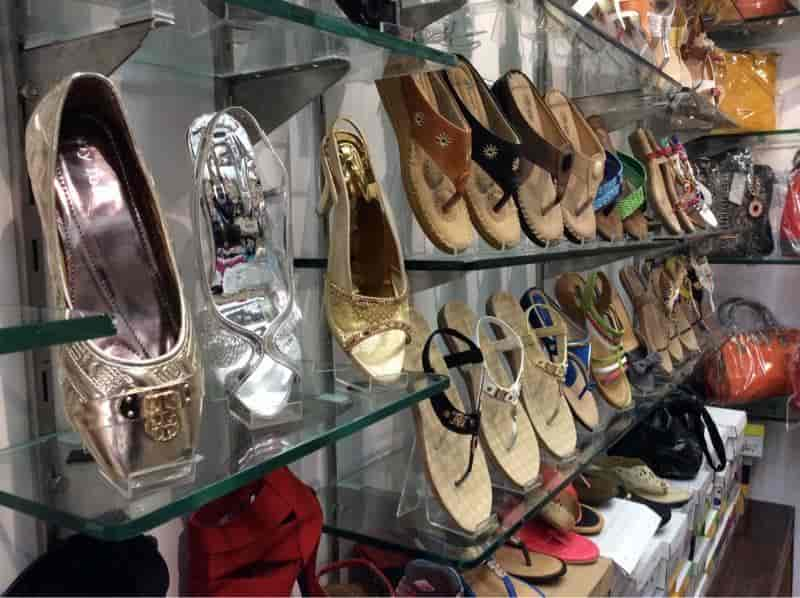 Bags \u0026 Heels, Connaught Place - Women