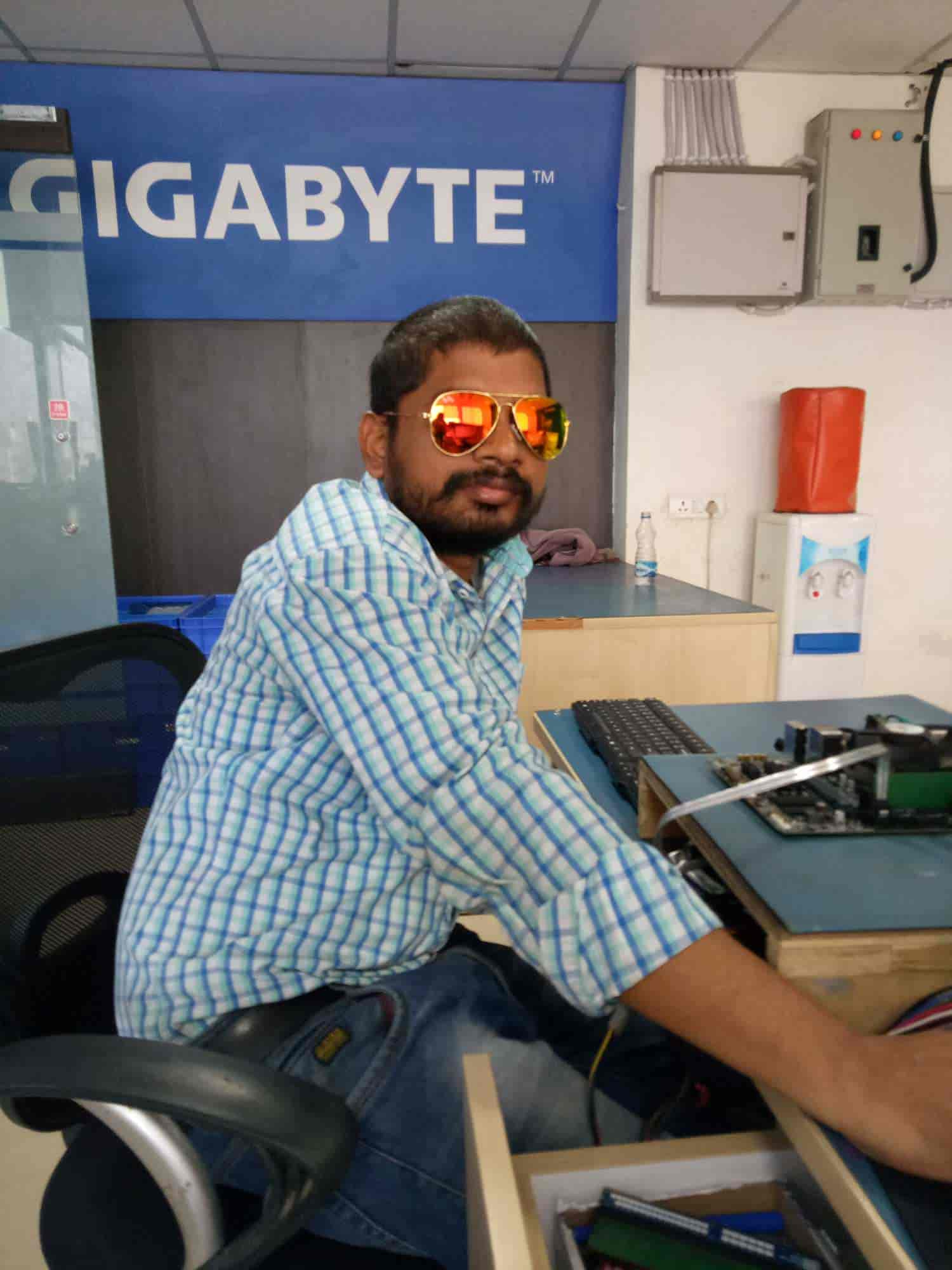 Gigabyte Service Centre, Nehru Place - Computer Motherboard