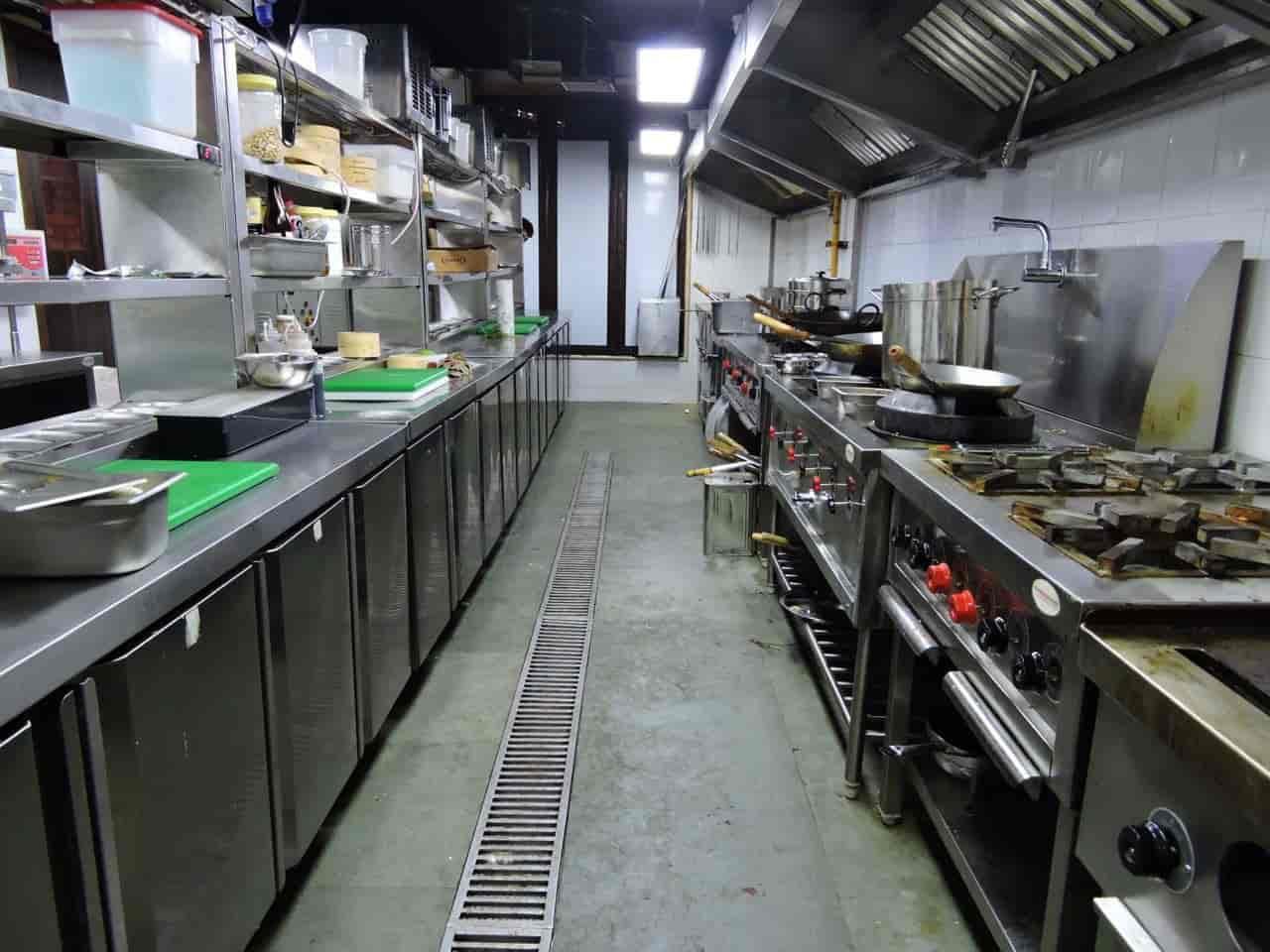 Dream Kitchens India (a Unit Of R v  Kitchens), Janakpuri