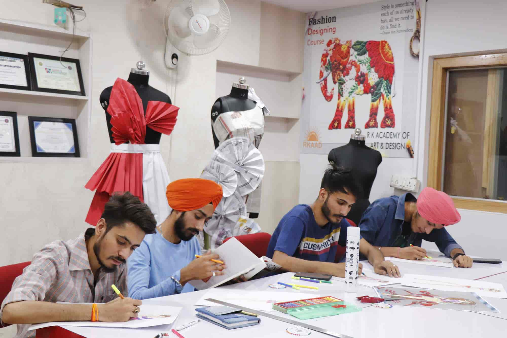 Rk Academy Of Art Design Punjabi Bagh Fashion Designing Institutes In Delhi Justdial