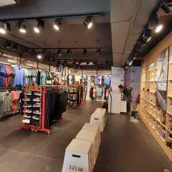 reebok showroom near rohini - 63% OFF