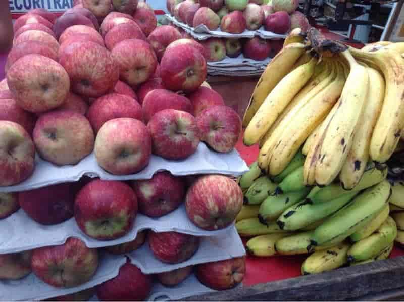 Kumar fruits wholesaler, Malviya Nagar - Apple Fruit