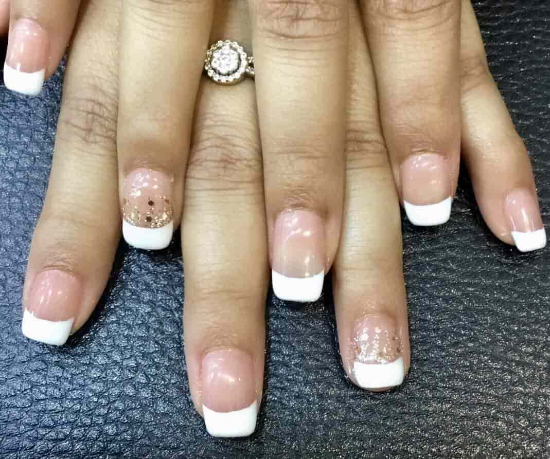 Luxury Nails, Model Town 2 - Beauty Parlours For Nail Art in Delhi ...