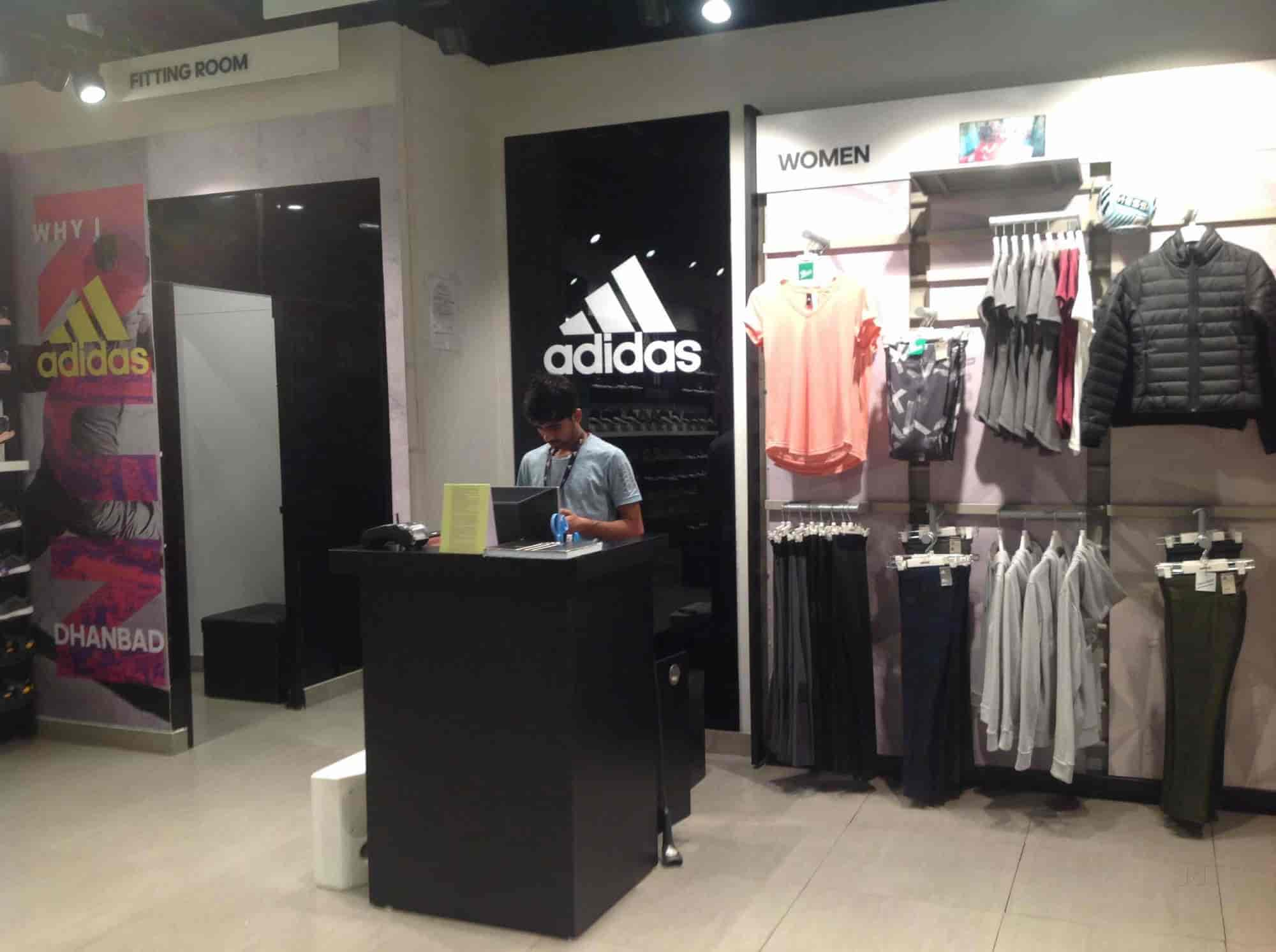 d6ebbb6a02f65 Adidas The Exclusive Showroom