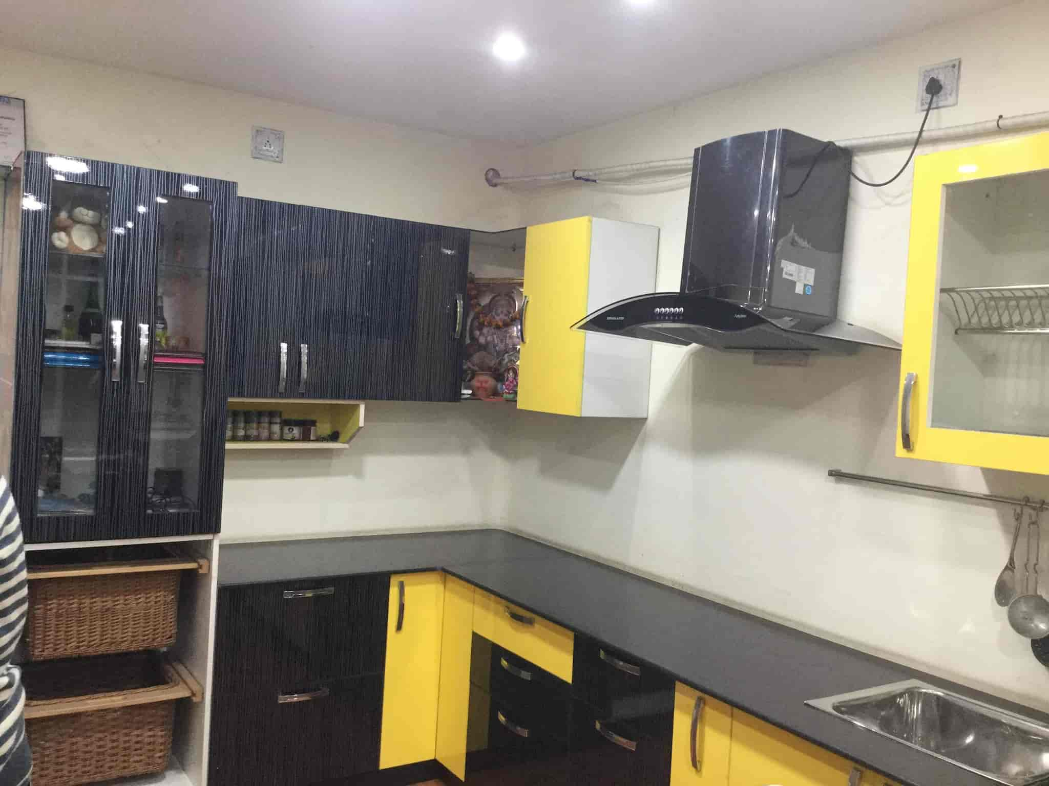 Modular kitchen with chimney interior design decorating ideas for Kitchen chimney interior design