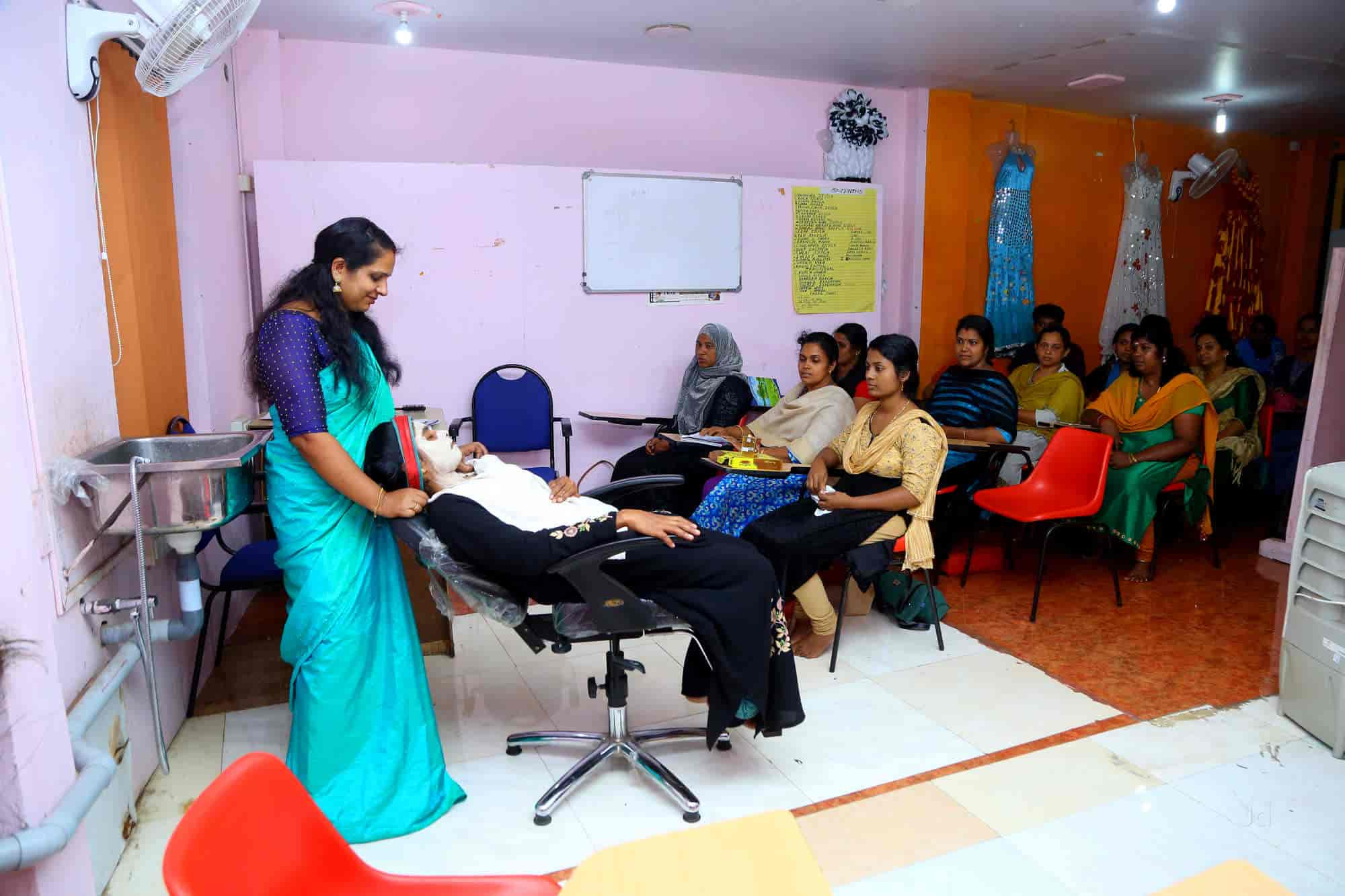 Diwani School Of Fashion Designing Kothamangalam Beautician Institutes In Ernakulam Justdial
