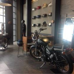 ... Inside View of Motorcycle Accessory Shop - St Marys Motors Photos, Kaloor, ...
