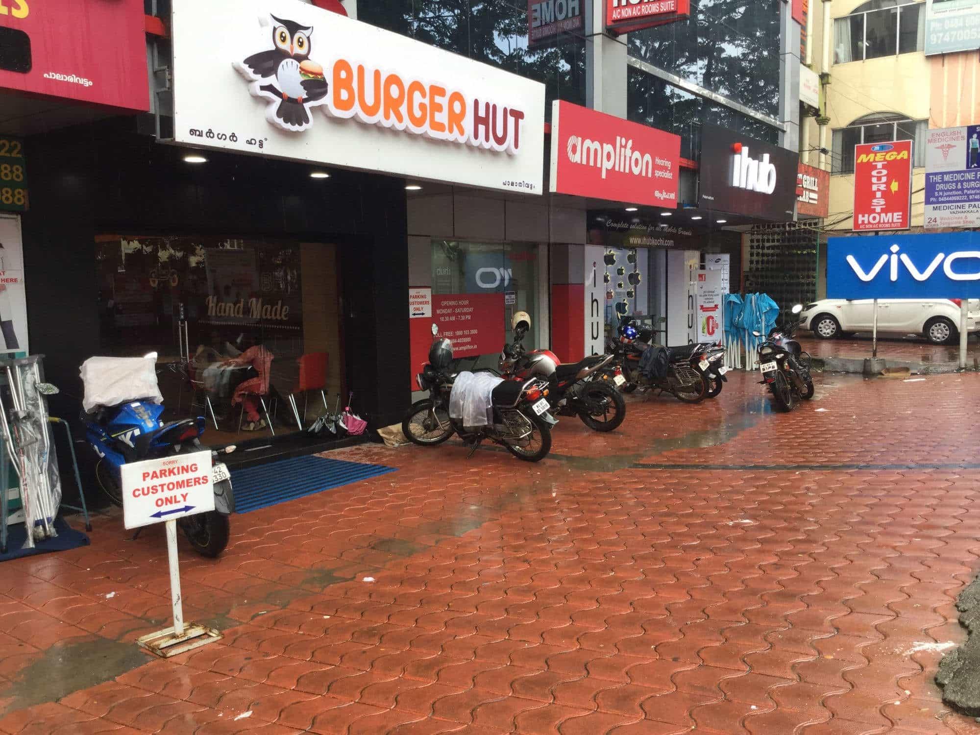 Burger Hut, Palarivattom, Ernakulam - Fast Food Cuisine