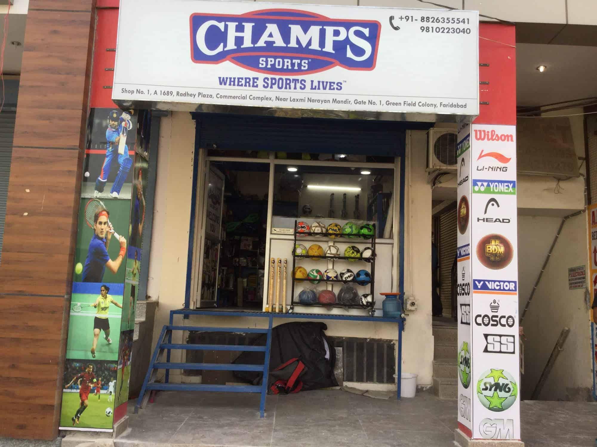 a68659ad32cb2 Champs Sports