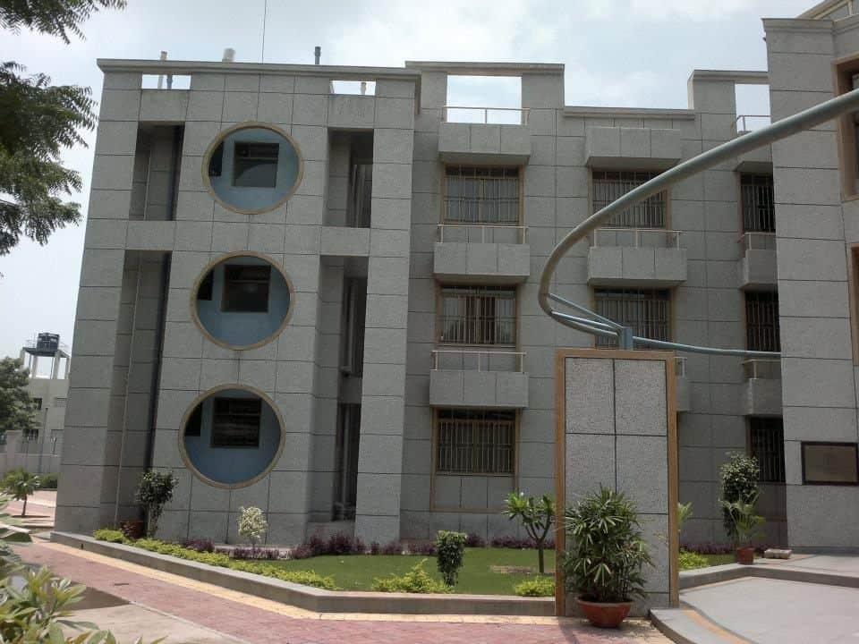 National institute of fashion technology gandhinagar 86