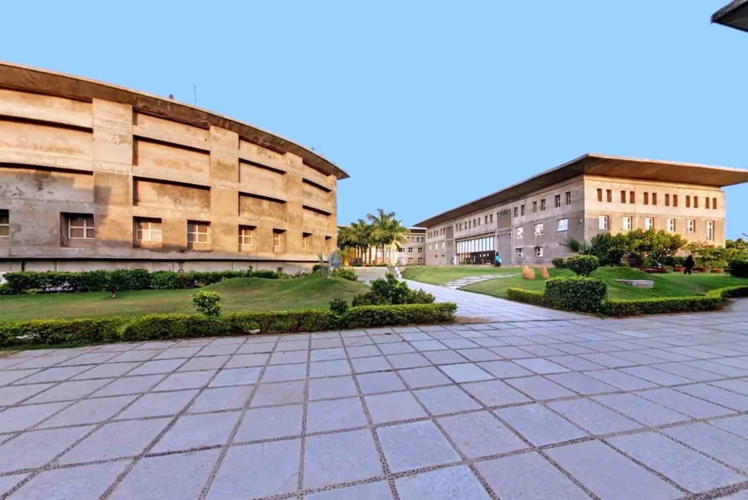 કર્ણાવતી યુનિવર્સિટી યુથ પાર્લામેન્ટ ઓફ ઈન્ડીયા-2018નું આયોજન કરશે