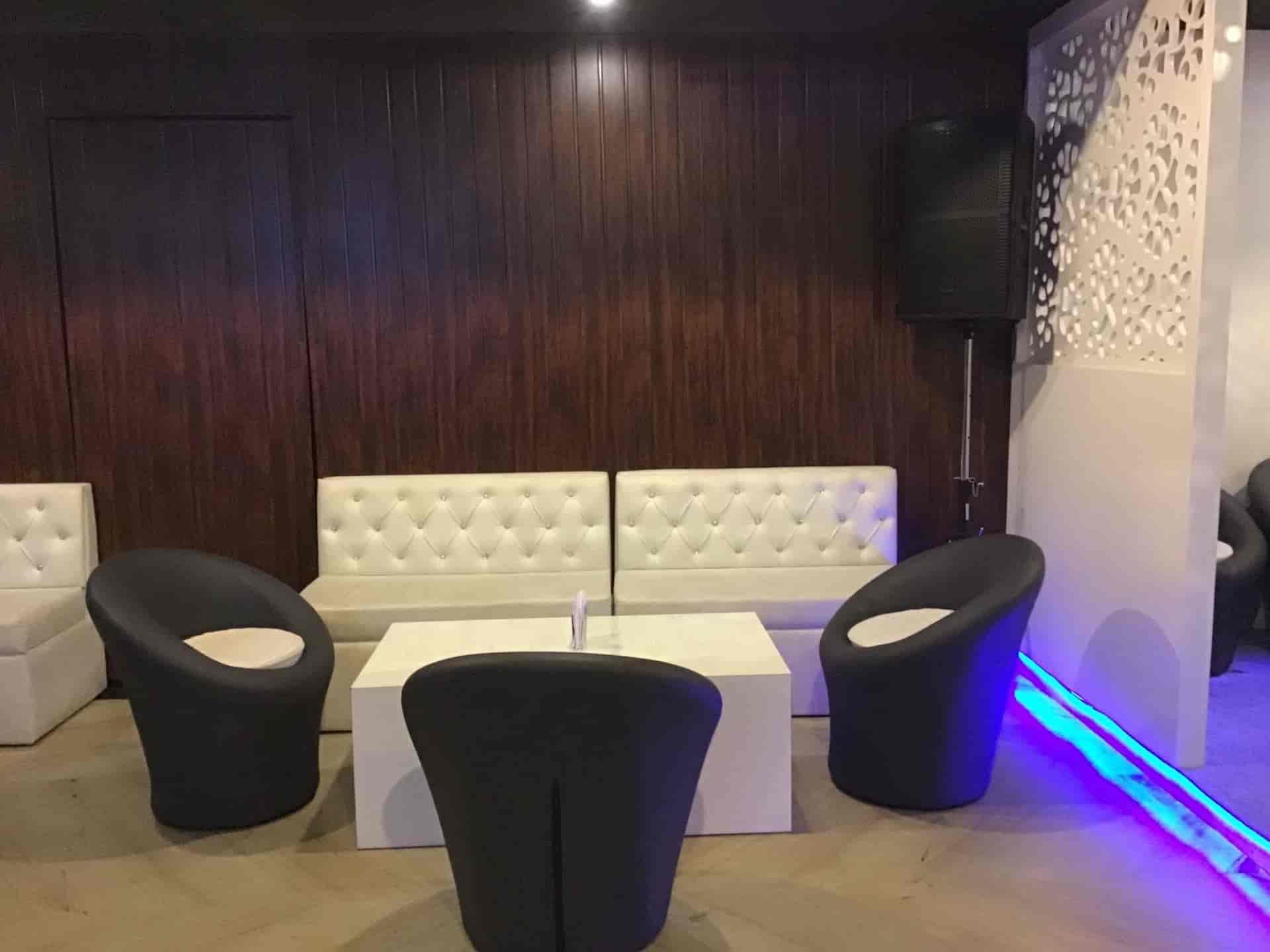 The Hangover Club & Lounge, Shakti Khand 2 Indirapuram, Delhi