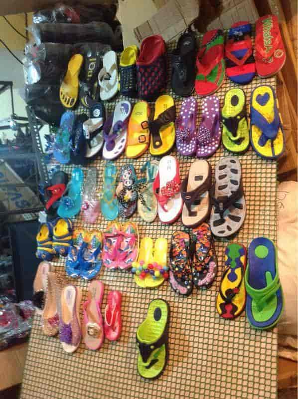 Minakshi Handicrafts Footwear Photos Calangute Goa Pictures