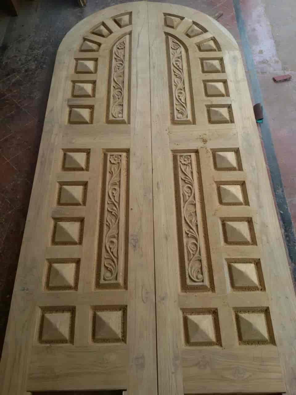 Kalim Wooden Door, Mapusa Duler - Wooden Door Dealers in Goa