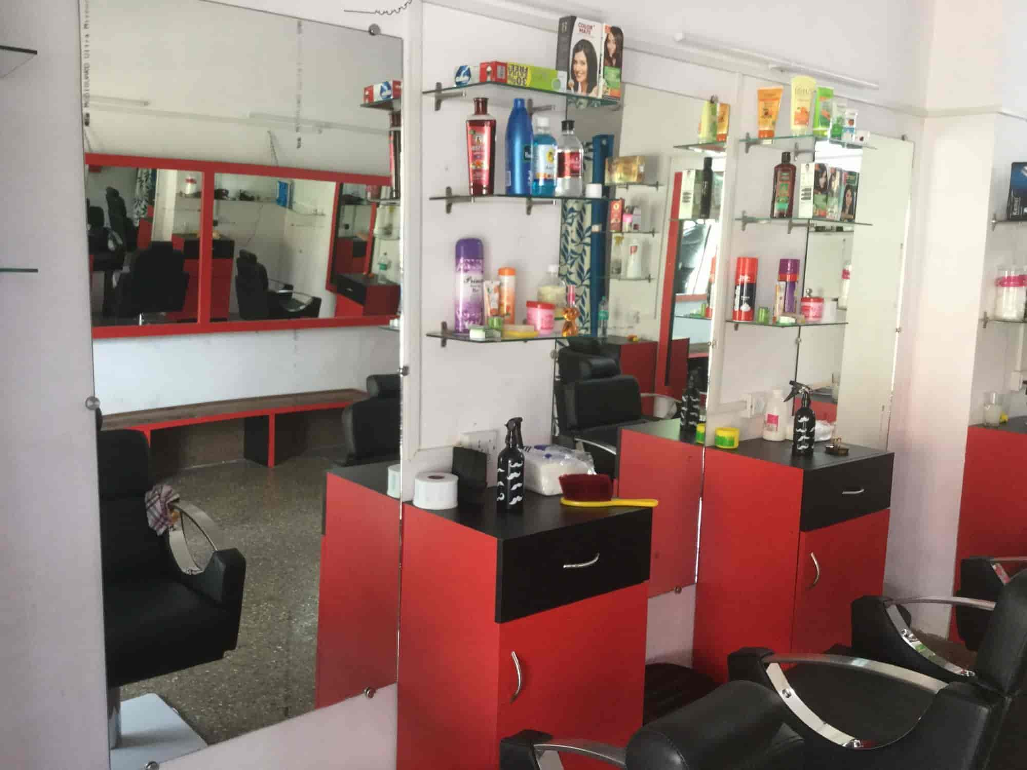 Rehan Hair Cutting New Style Salon, Alto Porvorim - Massage
