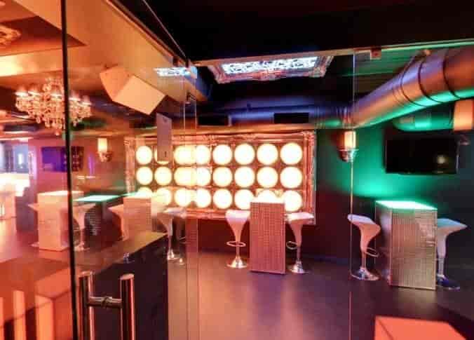 Topaz Lounge & Cafe, Ulubari, Guwahati - Live Sports