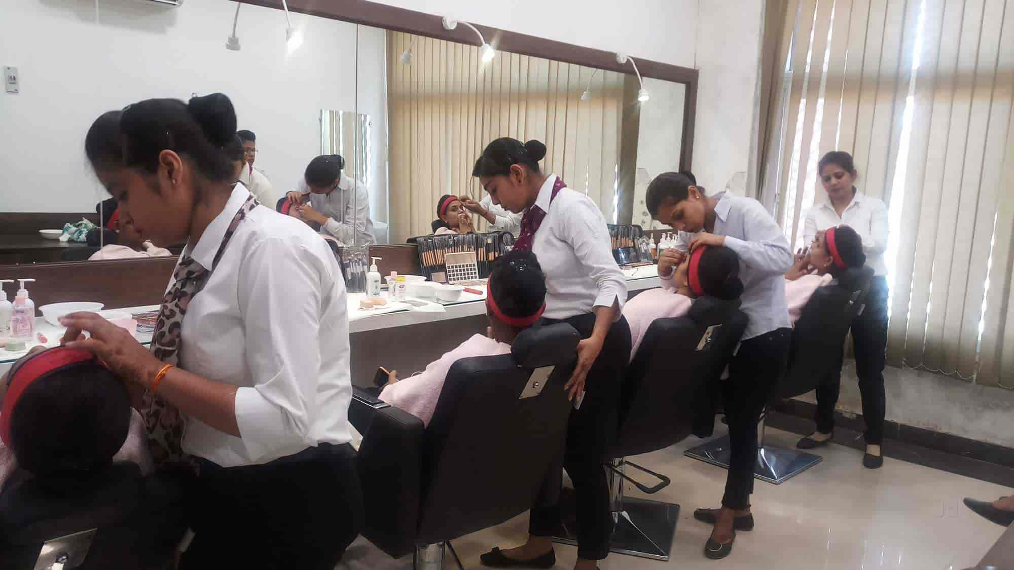 VLCC Institute of Beauty & Nutrition, Gwalior City - Hair