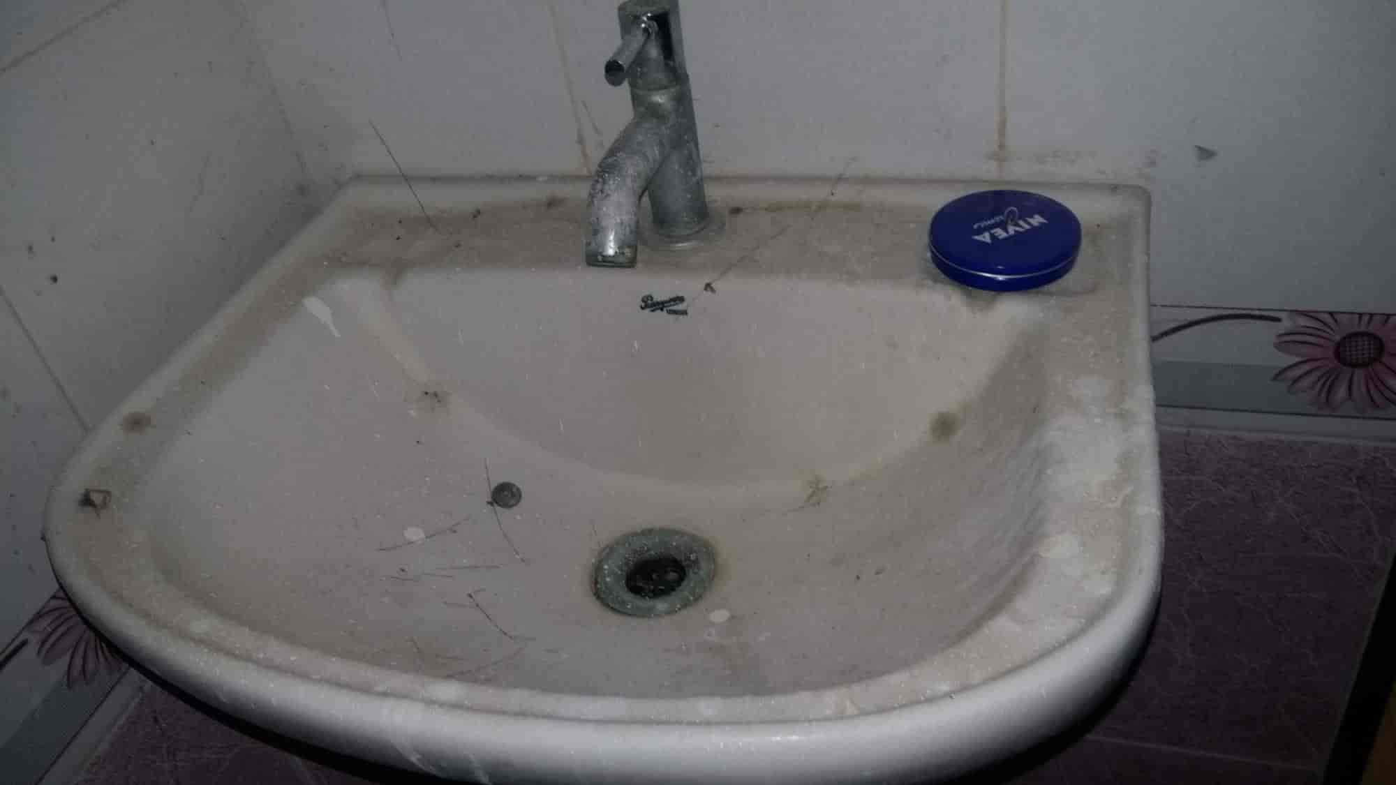 Spic N Span Facility Services Madhapur Cleaning Services In - Bathroom cleaning services in hyderabad