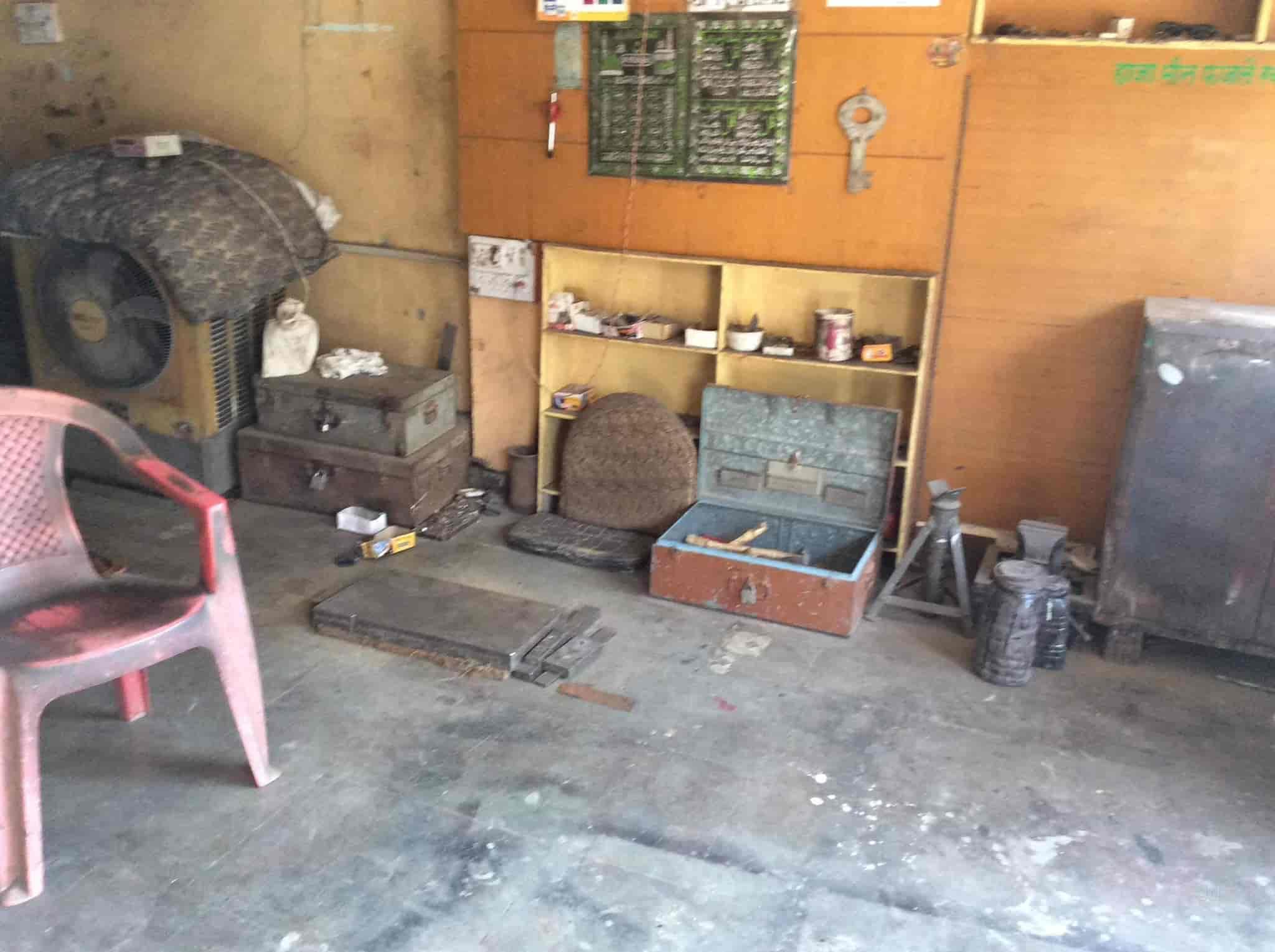 ... Firoj Furniture Repairing Shop Photos, Khajrana, Indore   Chair Repair  U0026 Services ...