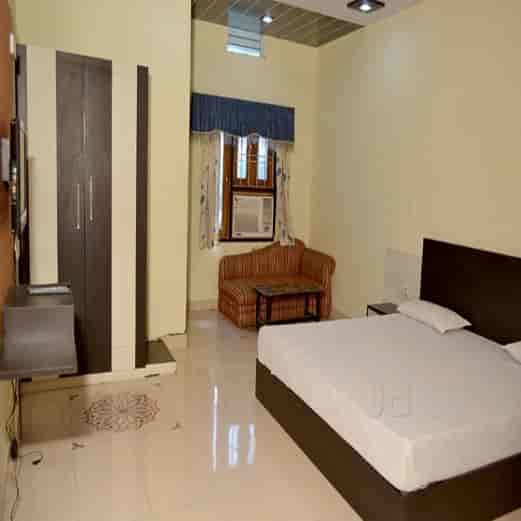 Hotel Konark Sindhi Camp Hotels In Jaipur Justdial