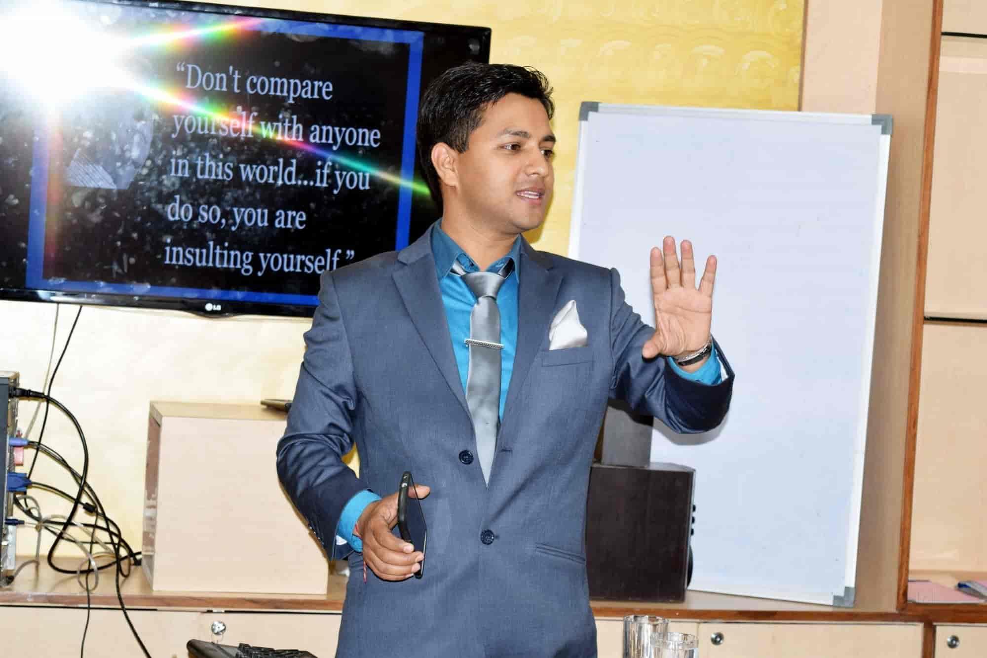 Motivational Trainer Motivational Speaker Corporate Trainer, Sodala