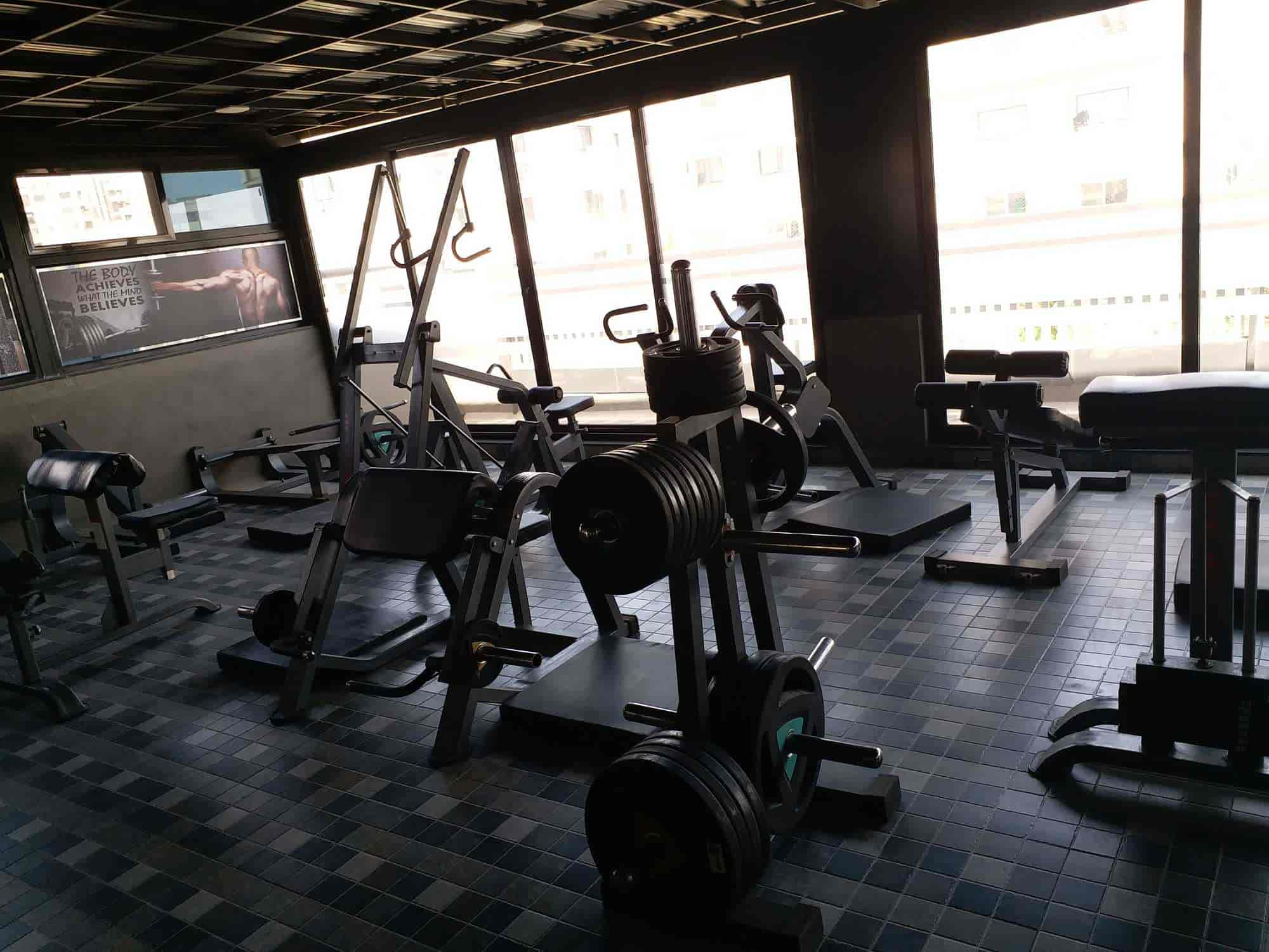 Work out world fitness and muscle garage body building gym photos