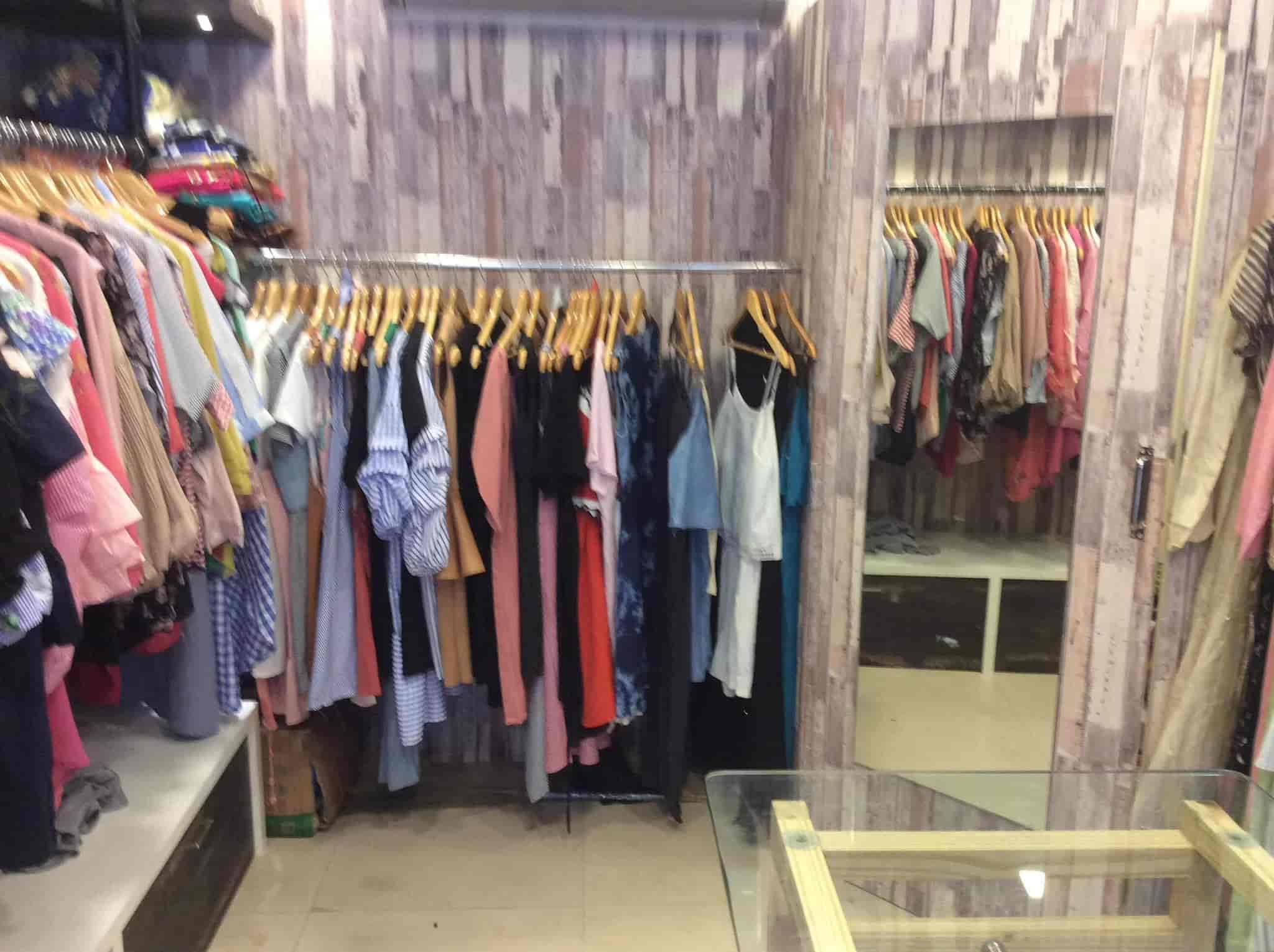 Pastel Boutique, Pandit Nehru Marg - Readymade Garment