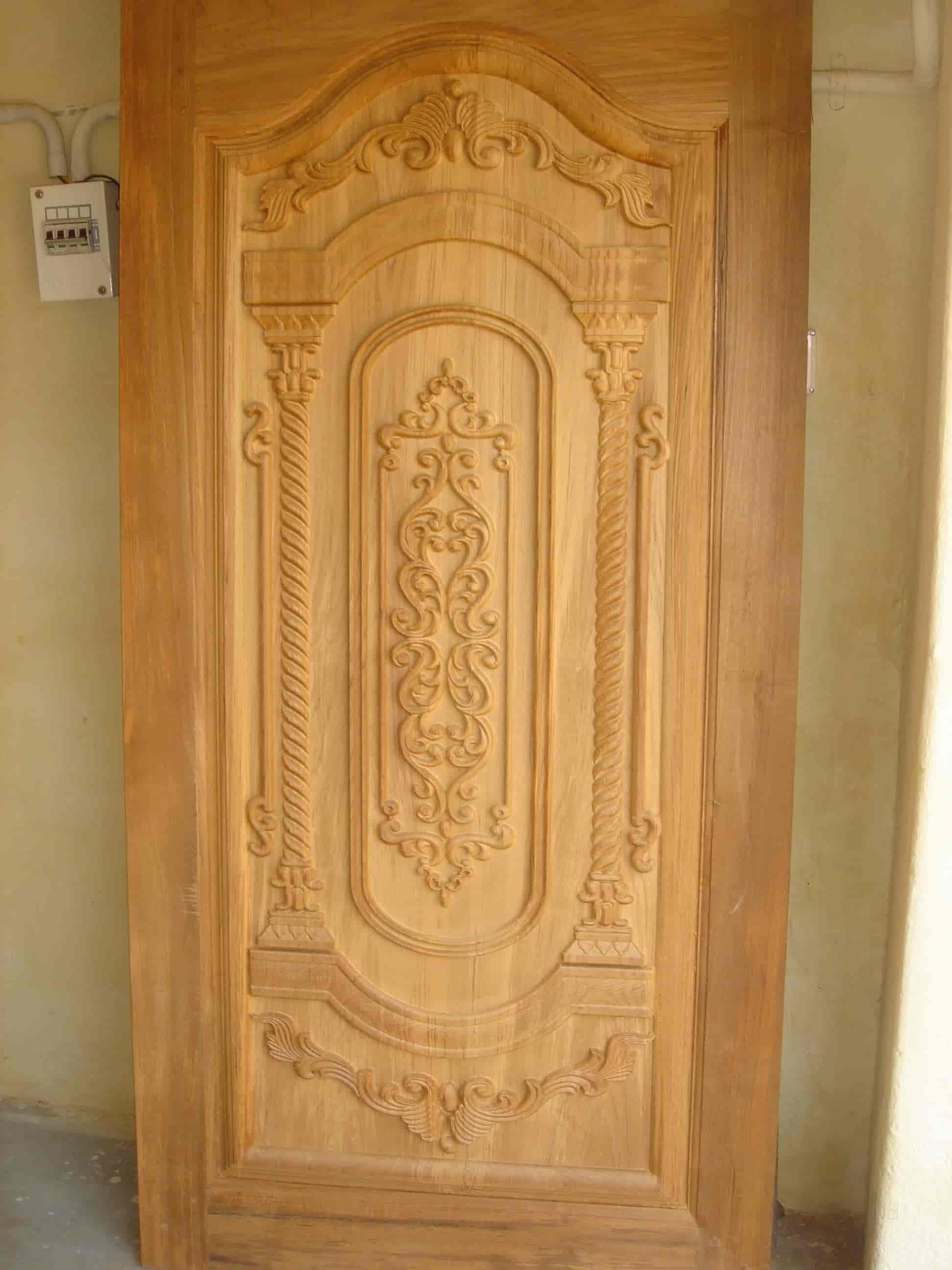 wooden medieval model aleck door sawkin