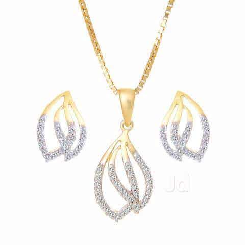Tanishq photos gariahat kolkata pictures images gallery justdial diamond gold studded set of pendant and earrings tanishq photos gariahat aloadofball Gallery